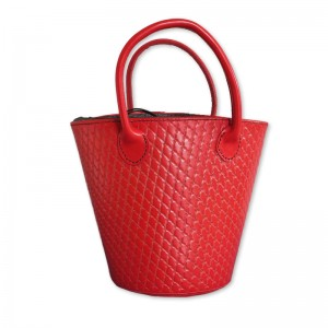 キルティング(赤)トートバッグ